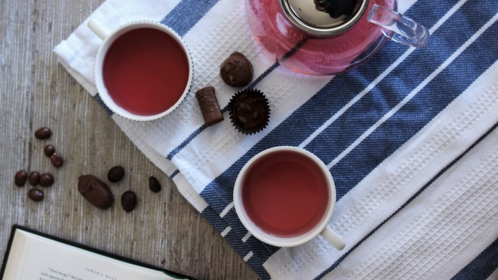 Friday Favorites: 8 Teas for your Tastebuds